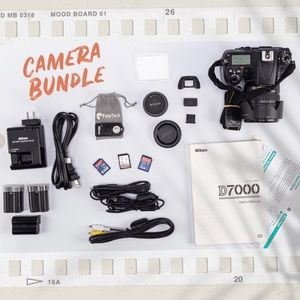 Nikon D-7000 Camera Bunddle with kit lens.